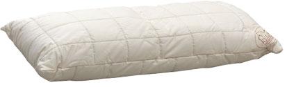Der Oberstoff des Kissens ist aus 100 % Baumwoll-Gewebe versteppt mit Baumwolle, Füllung aus Schafschurwollkugeln.