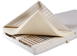 For beds with low sink-in depth, the lamellar system Naturform can be delivered with a compact cover.