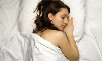 Schlaf ist eine Regenerationsphase, ohne die der Mensch und sein Organismus nicht lebensfähig wären.