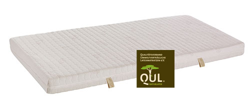 A healthy sleep with natural materials is the most important feature of the Melodie mattress cover.